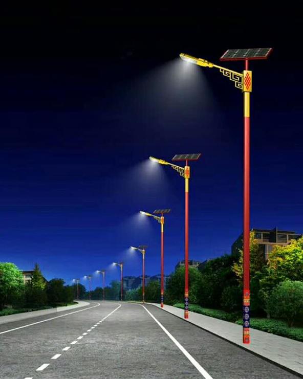 帮助云南硕山县提供民族特色太阳能路灯定制服务
