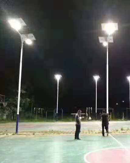 广西玉林市太阳能球场灯量化工程