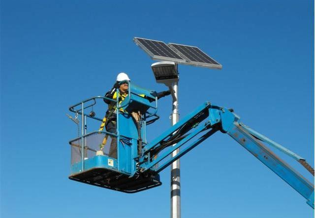 太阳能路灯安装后灯不亮或不灭是什么原因?